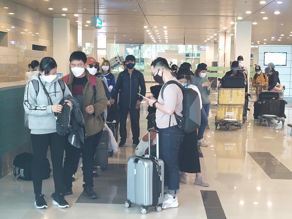 Từ Hàn Quốc hạ cánh sân bay Cần Thơ: Bật khóc vì cảm giác được an toàn - Ảnh 3.