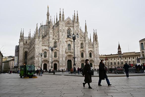 Kinh đô thời trang Milan 'tê liệt' vì COVID-19 - Ảnh 2.