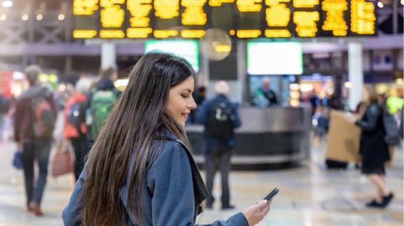 Xài WiFi 'chùa', 10.000 người lộ thông tin cá nhân và hành trình đi lại - Ảnh 1.