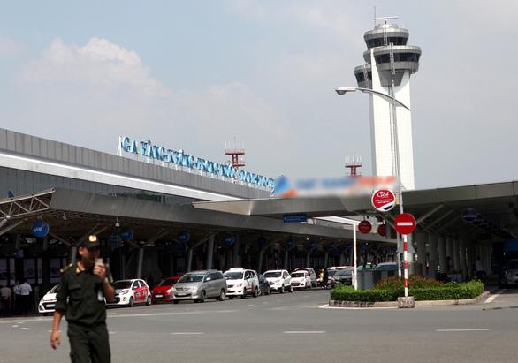 Bị tóm tại sân bay Tân Sơn Nhất vì lấy trộm tiền ở sân bay Vinh - Ảnh 1.