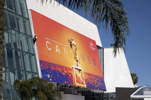 Liên hoan phim Cannes hoãn vì COVID-19, khả năng dời đến cuối tháng 6 - Ảnh 1.