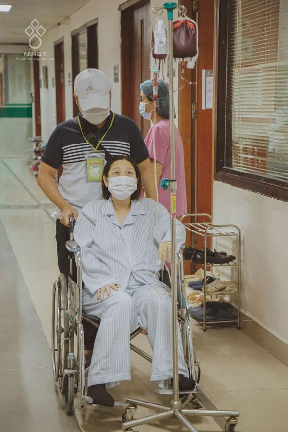 Hơn 200 người hiến máu cho cô giáo bị ung thư sinh con - Ảnh 1.