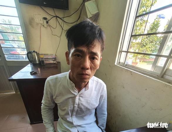 Khởi tố 6 người xông vô quán cà phê chém chết thanh niên 19 tuổi - Ảnh 1.