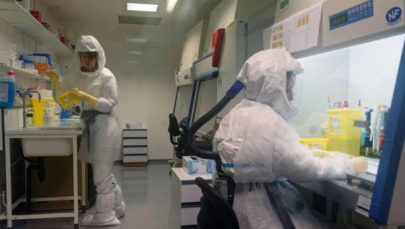 Viện Pasteur Pháp bị tố tạo ra SARS-CoV-2 và đang giấu văcxin chờ thời - Ảnh 1.