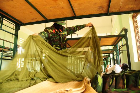 Doanh trại quân đội mở cửa đón kiều bào về tránh dịch - Ảnh 11.