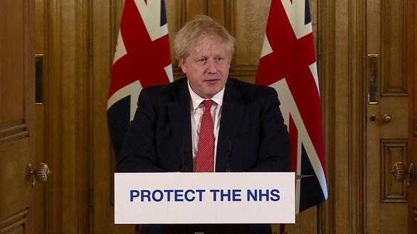 Thủ tướng Anh ra lệnh bán phong tỏa toàn quốc - Ảnh 1.