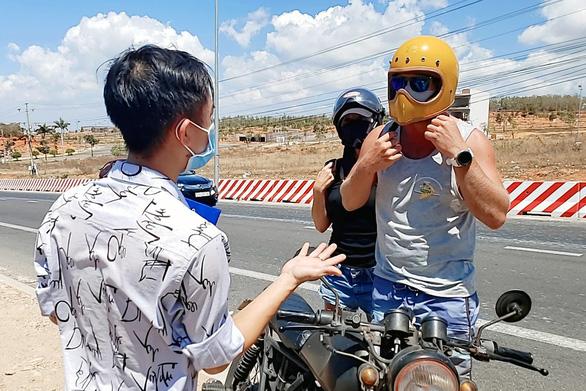 Phan Thiết vẫn còn nơi đón khách quốc tế có biểu hiện bệnh đến lưu trú - Ảnh 1.