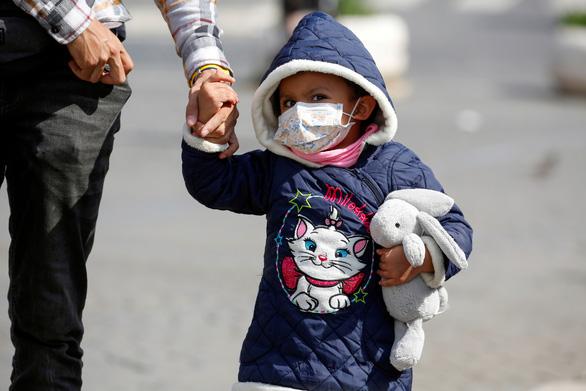 Cập nhật dịch COVID-19 ngày 21-3: Tổng giám đốc WHO cảnh báo bệnh tấn công người trẻ - Ảnh 6.