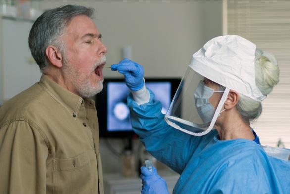 Vì sao một ổ dịch ở Ý không còn ca nhiễm COVID-19 chỉ trong vài tuần? - Ảnh 2.