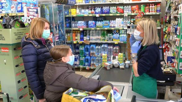 Vì sao một ổ dịch ở Ý không còn ca nhiễm COVID-19 chỉ trong vài tuần? - Ảnh 4.