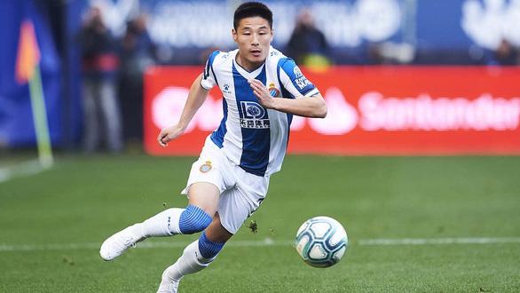 Ronaldo của Trung Quốc là một trong 4 cầu thủ Espanyol nhiễm COVID-19 - Ảnh 1.