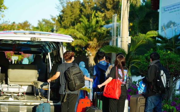 Nhiều khách sạn, resort tình nguyện đón khách cách ly - Ảnh 1.