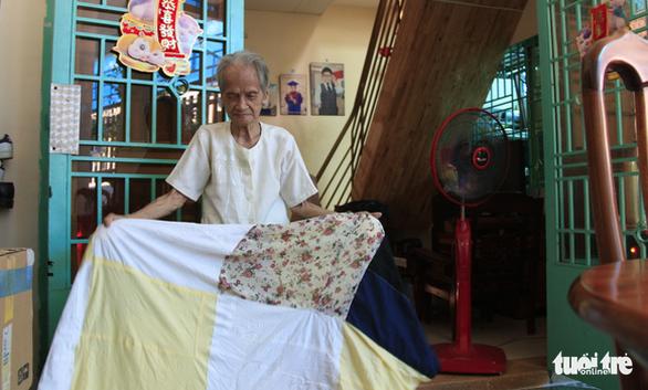 Mẹ Việt Nam anh hùng Ngô Thị Quýt: 'Tui thấy giúp được chi thì giúp thôi' - Ảnh 6.