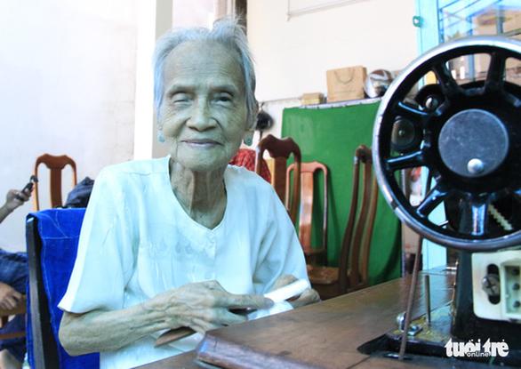 Mẹ Việt Nam anh hùng Ngô Thị Quýt: 'Tui thấy giúp được chi thì giúp thôi' - Ảnh 1.