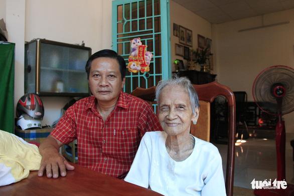 Mẹ Việt Nam anh hùng Ngô Thị Quýt: 'Tui thấy giúp được chi thì giúp thôi' - Ảnh 4.