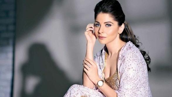 Ca sĩ nổi tiếng Ấn Độ nhiễm corona bị chỉ trích vô trách nhiệm, hành xử kiểu ngôi sao - Ảnh 2.