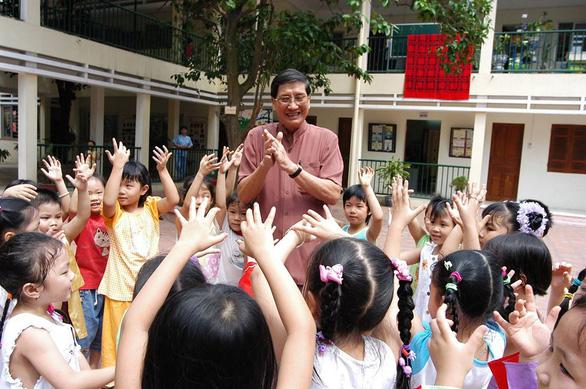 Khúc hát đôi bàn tay - món quà dễ thương của nhạc sĩ Phạm Tuyên mùa COVID-19 - Ảnh 2.