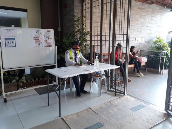 Gần 200 người Việt kẹt tại Philippines vì dịch COVID-19 - Ảnh 1.