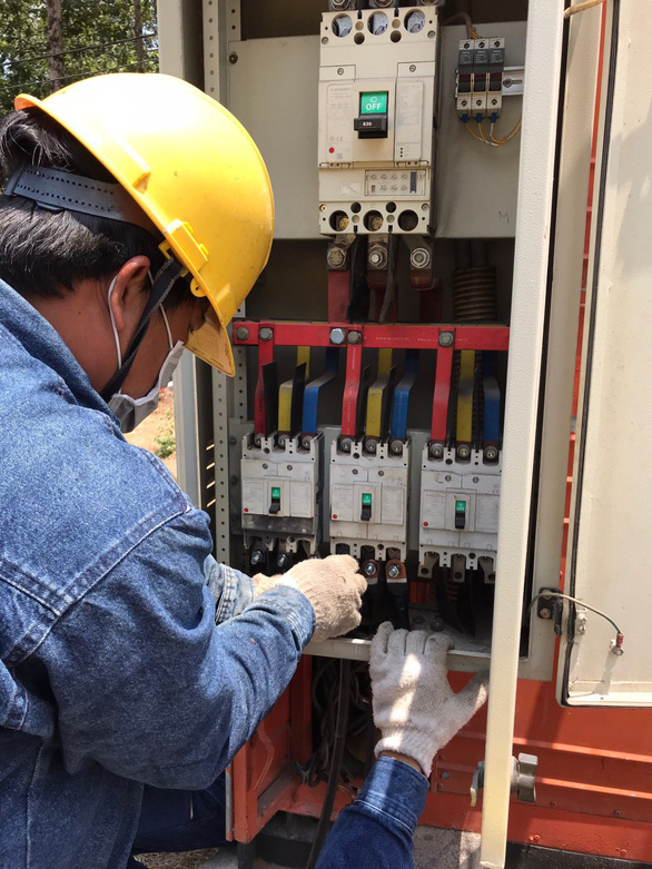 EVNHCMC khẩn trương hoàn thành cấp điện giai đoạn 3 cho Bệnh viện dã chiến Củ Chi - Ảnh 5.