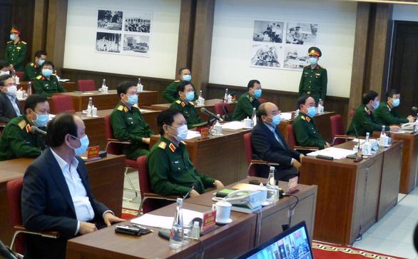 Thủ tướng nhắc quân đội tự bảo vệ, không để dịch COVID-19 lây vào lực lượng - Ảnh 2.
