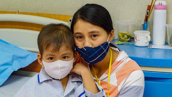 Mùa dịch, thầy giáo Mỹ Tandy vẫn đi hiến máu cho người bệnh Việt Nam - Ảnh 3.