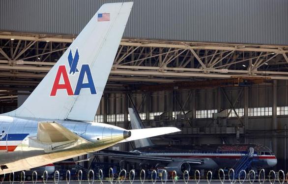Hàng chục du học sinh kẹt tại sân bay Dallas và Narita sắp về nước - Ảnh 1.