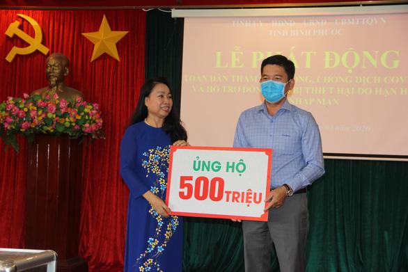 Đại biểu HĐND Bình Phước ủng hộ trực tiếp hơn 3 tỉ đồng phòng chống COVID-19 - Ảnh 1.
