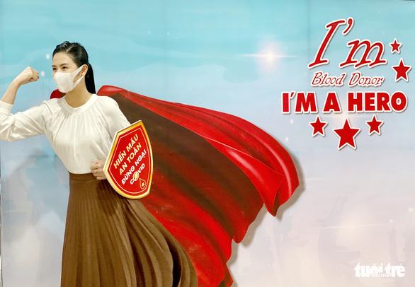 Hoa hậu Ngọc Hân hiến máu lần thứ 7 - Ảnh 5.