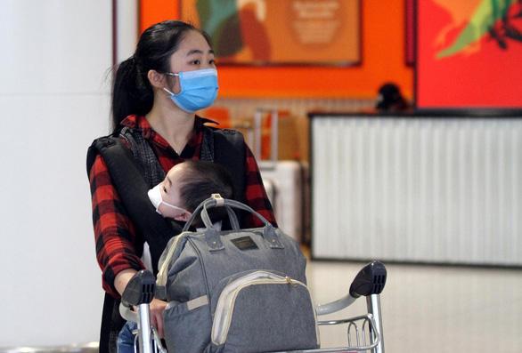 Chỉ còn 233 người Việt về sân bay Nội Bài trong ngày 23-3 - Ảnh 1.