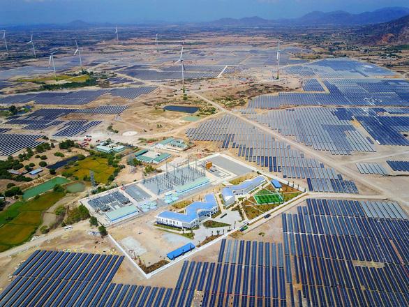 14.000 tỷ đồng xây dựng nhà máy điện mặt trời lớn nhất Đông Nam Á - Ảnh 1.