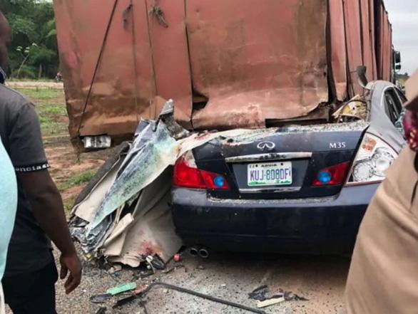 2 cầu thủ Nigeria, trong đó có tuyển thủ quốc gia bị đụng xe chết - Ảnh 2.