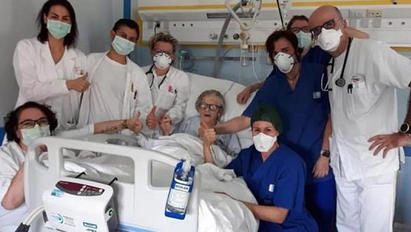 Cụ bà 95 tuổi ở Ý hết COVID-19 dù không uống thuốc kháng virus - Ảnh 1.