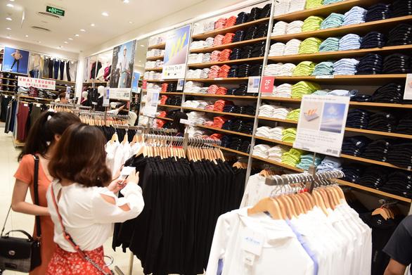 Uniqlo công bố mở cửa hàng thứ hai tại TP.HCM - Ảnh 1.