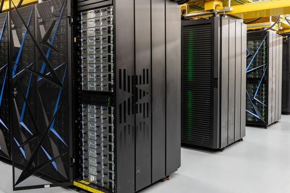 Mỹ giảm cách ly 16 siêu máy tính, giúp giới nghiên cứu dập COVID-19 - Ảnh 1.