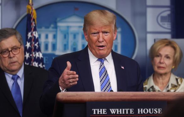 Ông Trump: Các thuốc trị COVID-19 sắp thử nghiệm có thể là quà từ Thượng đế - Ảnh 1.