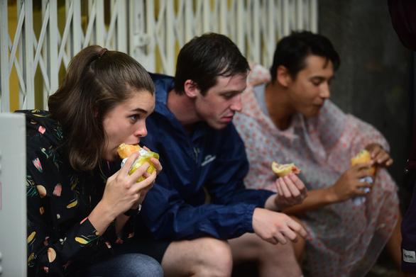Hàng loạt tiệm bánh mì khuyến mãi nhân tuần lễ Tôi yêu bánh mì Sài Gòn - Ảnh 2.