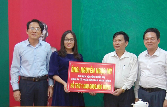 Hà Tĩnh kêu gọi ủng hộ hơn 20 tỉ đồng chống dịch COVID-19 - Ảnh 1.