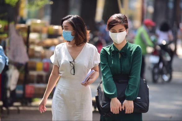 Nếu siêu thị TP.HCM không bán khẩu trang vải kháng khuẩn, người dân gọi Sở Công thương - Ảnh 1.