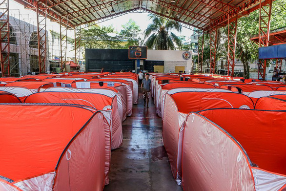 Lo COVID-19 lây lan, Philippines dựng lều cho người vô gia cư - Ảnh 3.