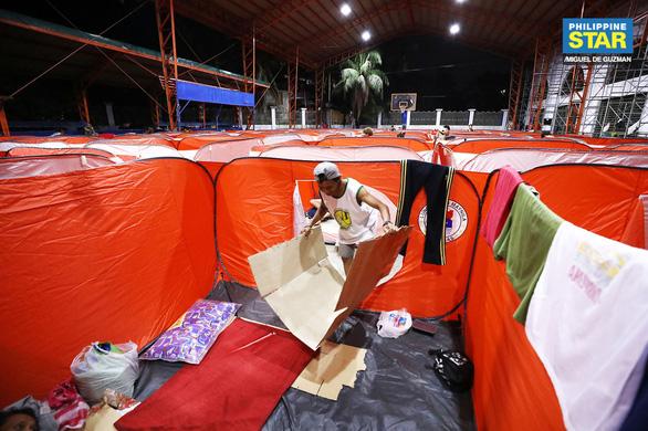 Lo COVID-19 lây lan, Philippines dựng lều cho người vô gia cư - Ảnh 6.