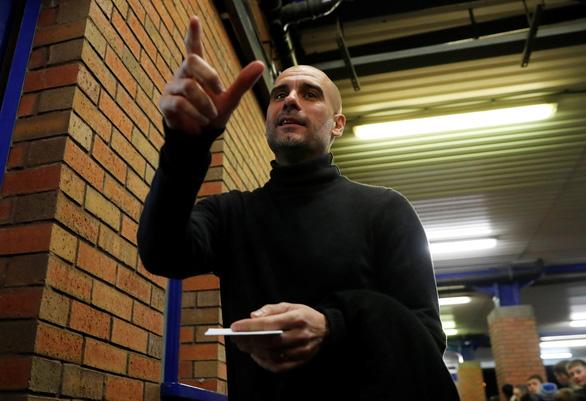 HLV Guardiola quyên góp 1 triệu euro cho quê nhà Tây Ban Nha - Ảnh 1.