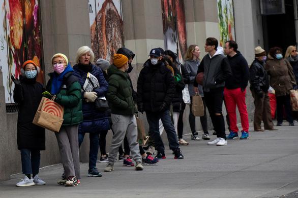 Đã có 10 triệu người Mỹ nộp đơn xin trợ cấp thất nghiệp vì COVID-19 - Ảnh 1.