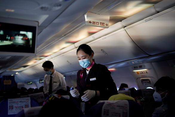 Du học sinh Trung Quốc ở Mỹ đặt máy bay riêng để chạy dịch - Ảnh 2.