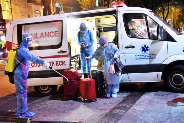 TP.HCM yêu cầu nhân viên y tế không tham gia sự kiện đông người - Ảnh 1.
