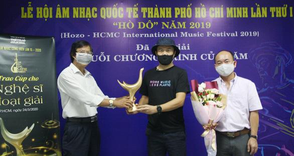 Hoàng Thùy Linh thắng lớn với 4 giải Cống hiến - Ảnh 4.
