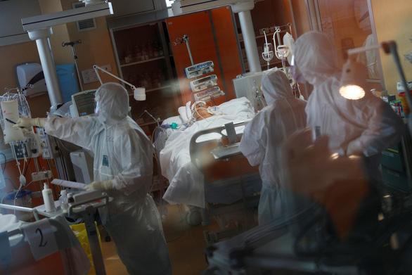 Dịch COVID-19 sáng 25-3: Số ca nhiễm ở Thái Lan lên gần 950, Ý thêm 743 ca tử vong - Ảnh 2.