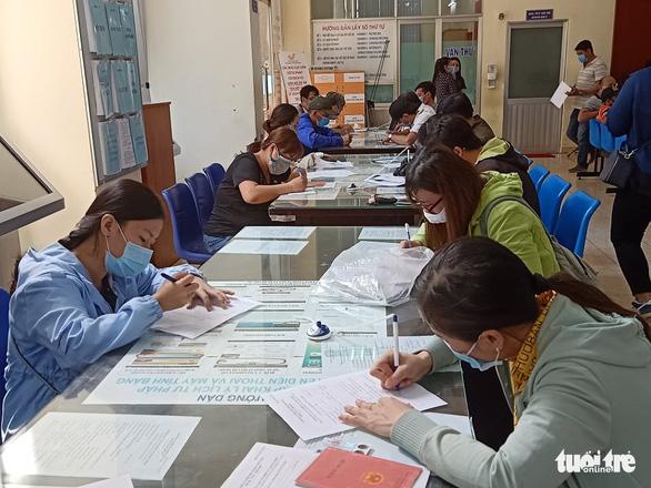 TP.HCM mong người dân nộp hồ sơ trực tuyến để phòng dịch COVID-19 - Ảnh 1.