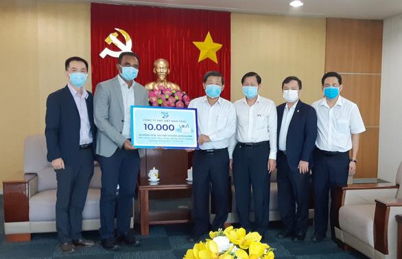 P&G Việt Nam tặng xà phòng cho công nhân phòng chống dịch COVID-19 - Ảnh 1.