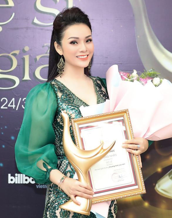 Hoàng Thùy Linh thắng lớn với 4 giải Cống hiến - Ảnh 2.