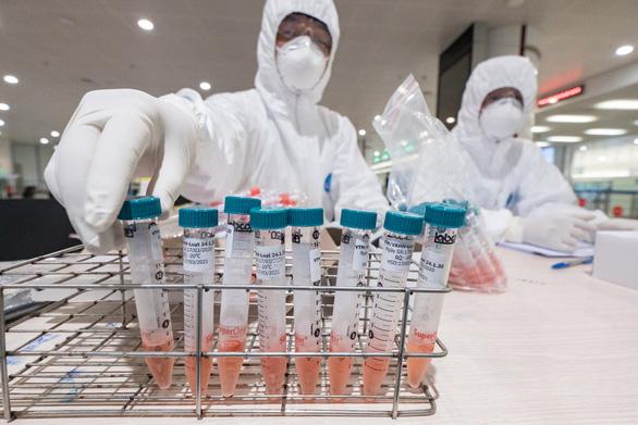 Bộ Y tế ra thông báo khẩn tìm hành khách trên 7 chuyến bay có người nhiễm corona - Ảnh 1.